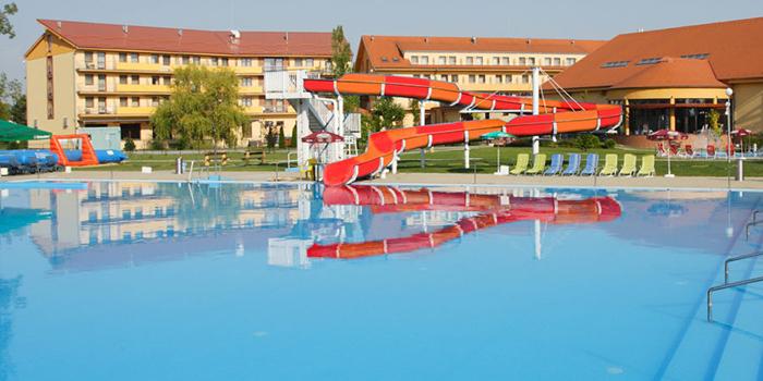 6e83fd3b707ec Hľadáte ideálny odpočinok pre vás a vaše deti? Vo Family Wellness hoteli  Patince nájdete všetko, čo k pohodovej rodinnej dovolenke potrebujete –  príjemné ...