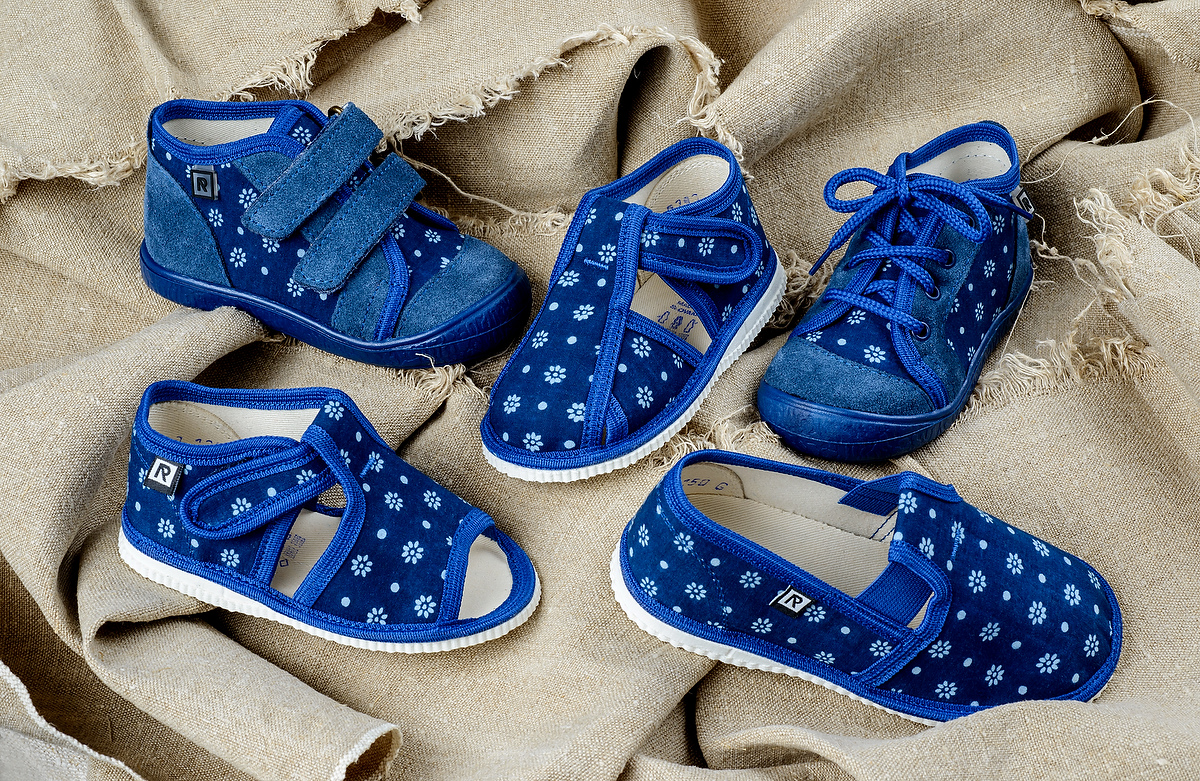 48ac3a0f8930 V spolupráci s RAK obuv sme si pripravili pre vás súťaž. Dvom z Vás donesie  Mikuláš darčeky do nových topánok! Súťaž o prekrásne modrotlačové papučky a  ...